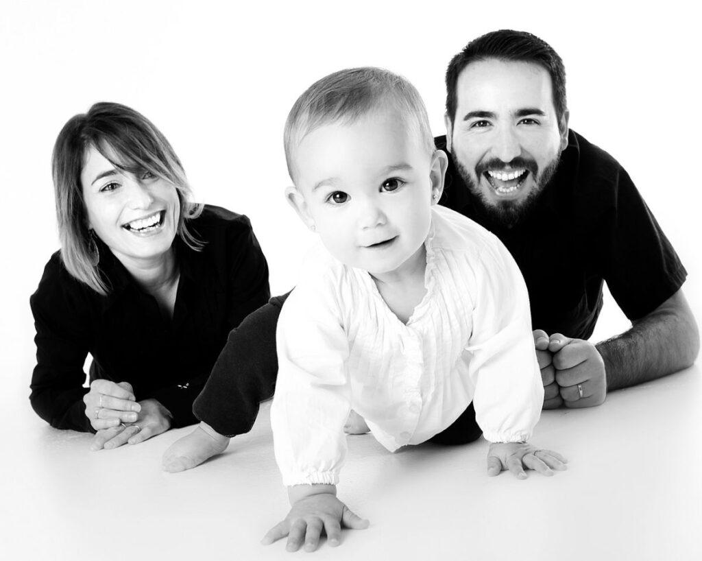 子供の成長を喜ぶ親