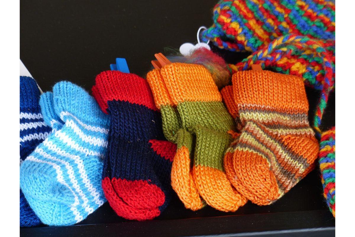 Girl-fashionable-socks